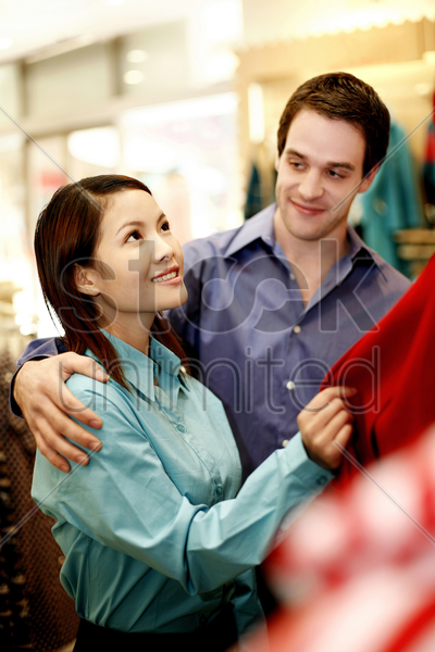 couple shopping together stock photo